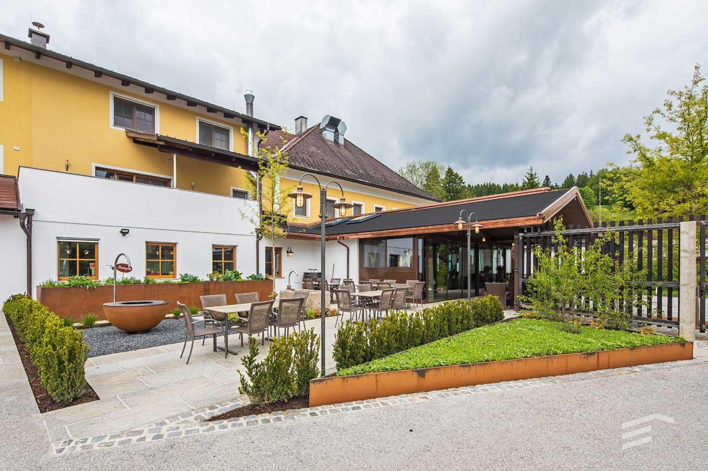 Gasthaus Muhr Gastgarten hinten