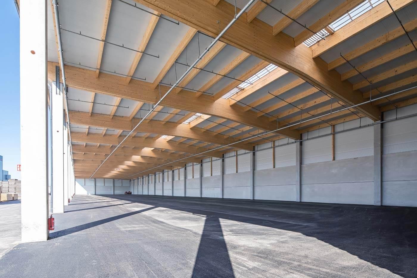 VM Holz Halle außen