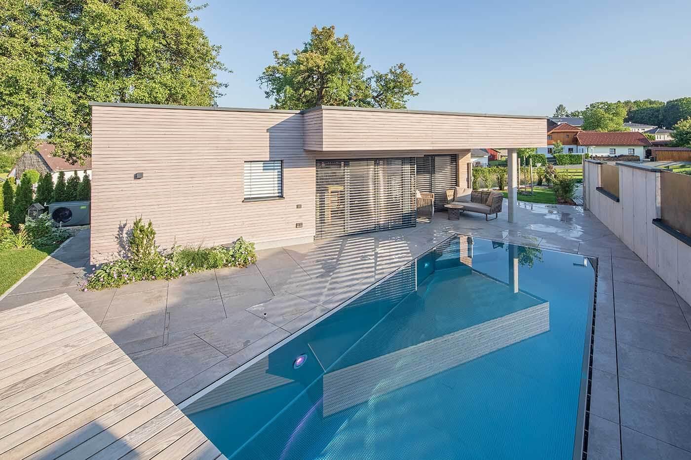 Poolhaus von der Terasse